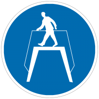 Gebotszeichen Übergang benutzen nach BGV A8 (M12)