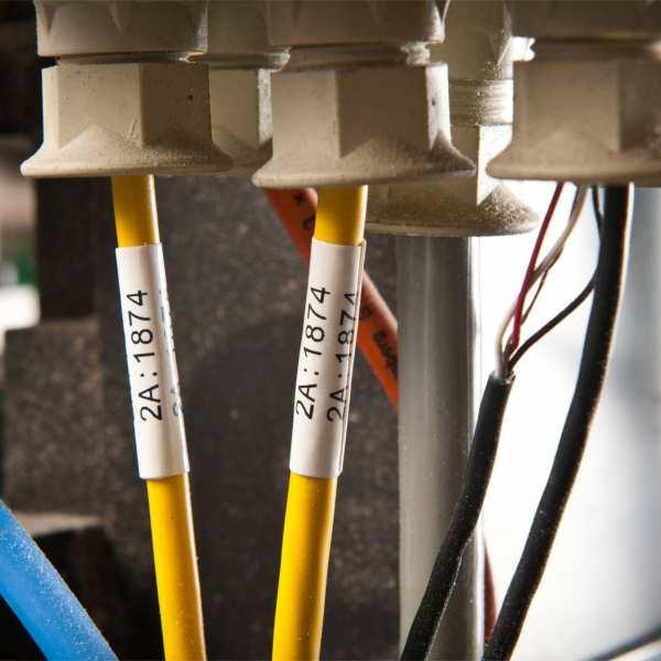Brady CleanLift Wickeletiketten für Leitungs-und Kabelkennzeichnung, entfernbares Vinylgewebe B-498